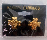 Gold tone fashion earrings (Code 3032)